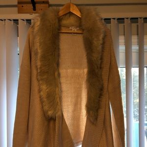 XL Glamorous Cardigan with Faux Fur Collar